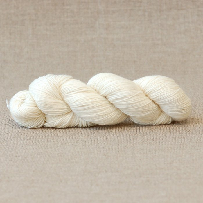 Sandy Undyed 4-ply Sock Yarn