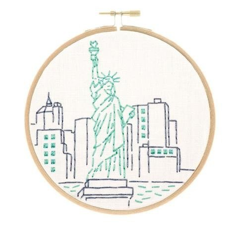 Studio MME - New York City's Statue of Liberty Embroidery Kit