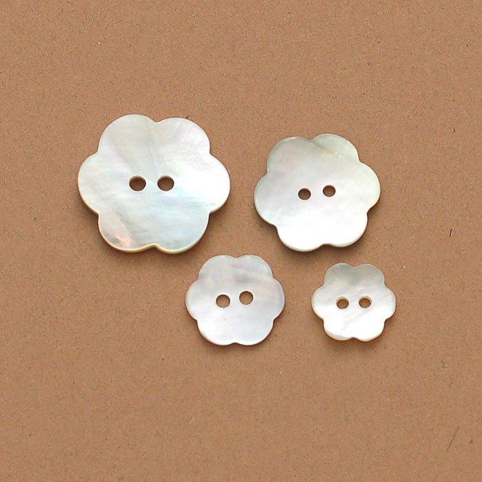 Agoya Flower Shell Button