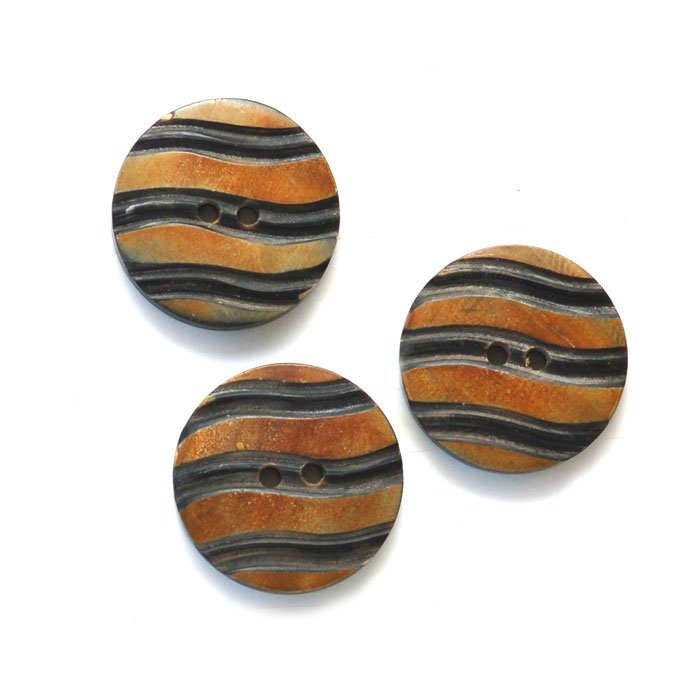Grooved Wavy Stripe Horn Button