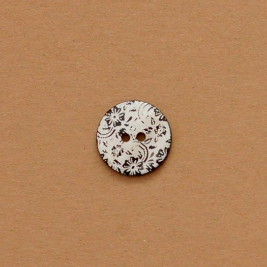 Laser Etched Flowers Shell Button