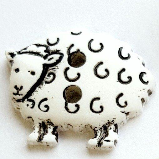 skacel Buttons - Plastic White Sheep; 2 holes