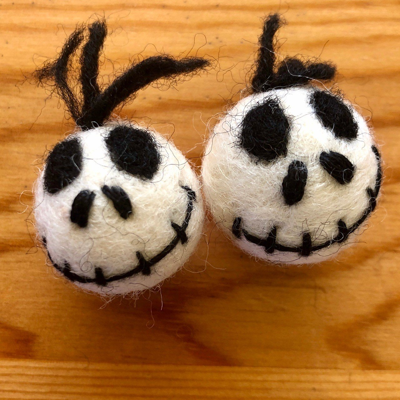 Jim Knopf Hand-crafted 3D Wool Felt Zombie White & Black 40mm (12530)