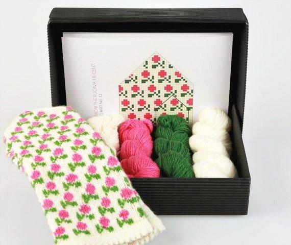 Latvian Mittens Knitting Kit