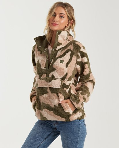 Switchback Pullover