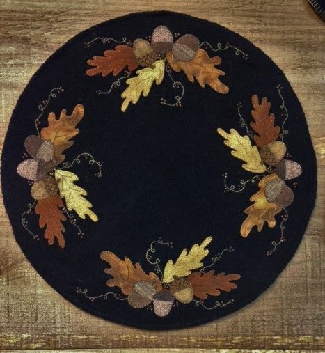 Signs of Autumn Wool Table Mat Kit with Pattern: 18 Round