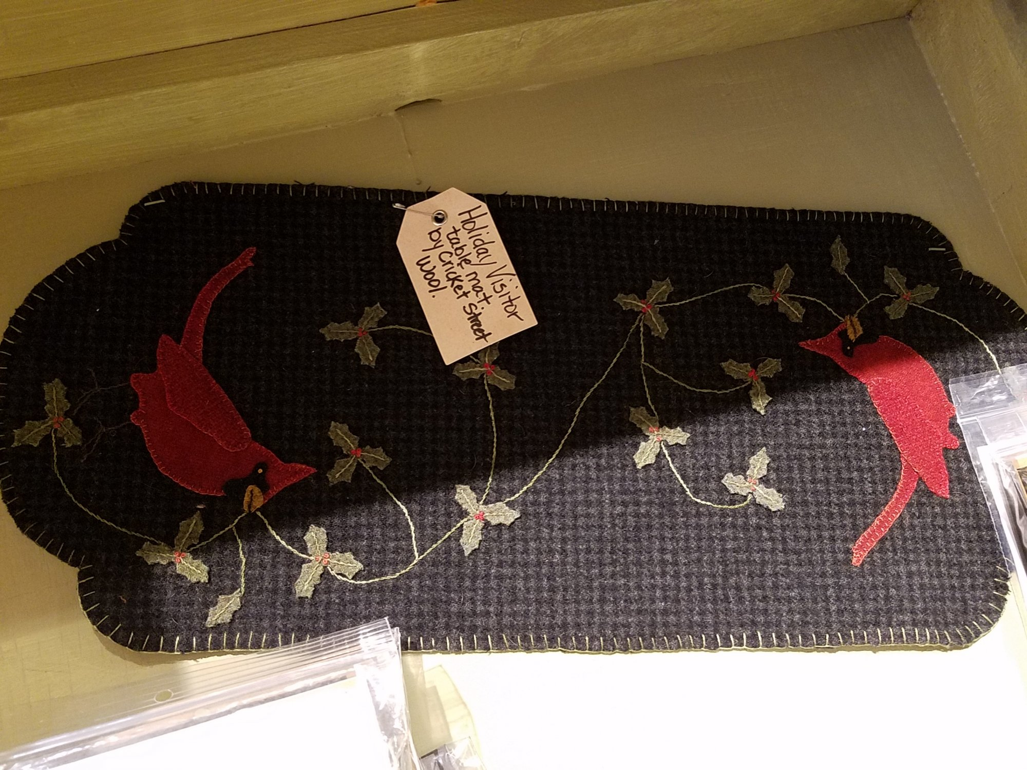Holiday Visitor Wool Table Mat Kit with Pattern: 9 x 22