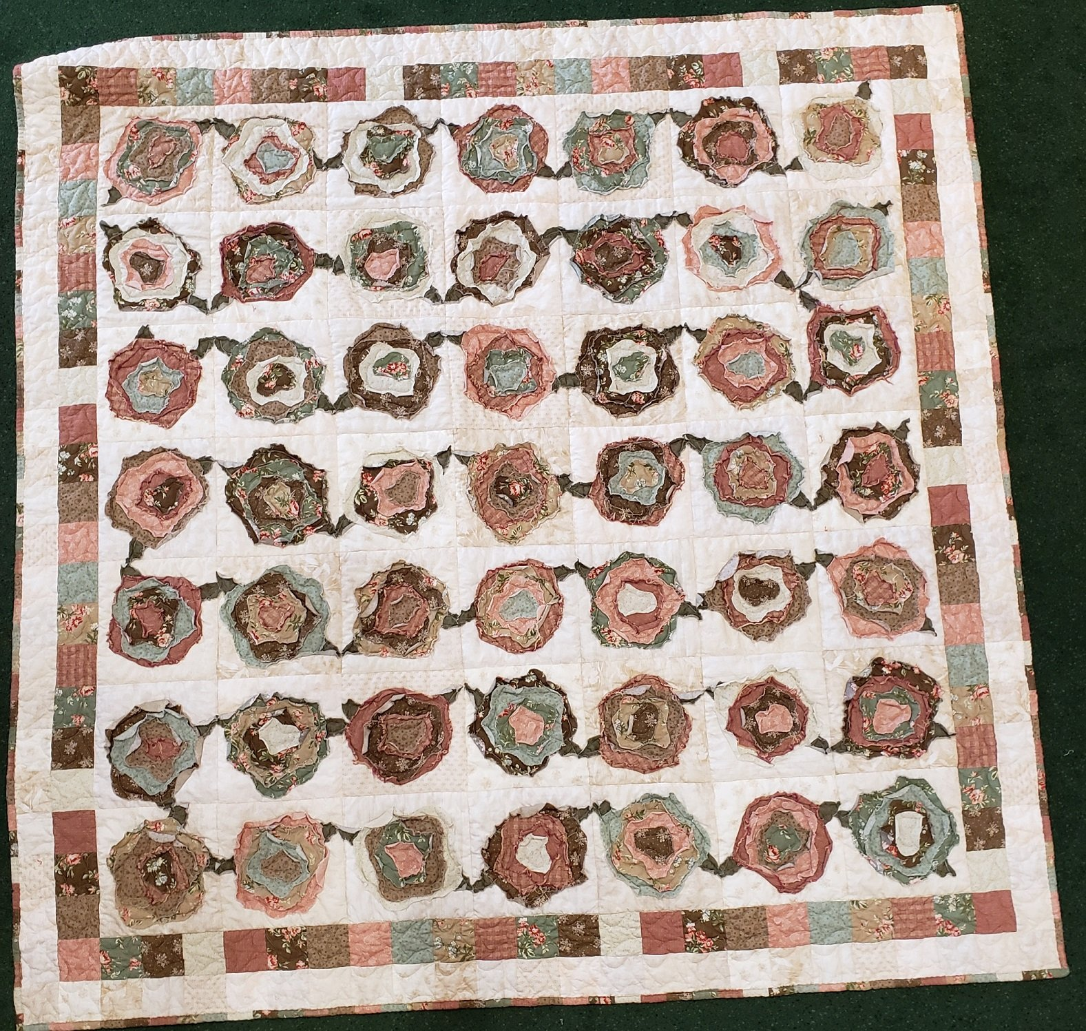 French Roses Quilt Kit - 75in x 75in
