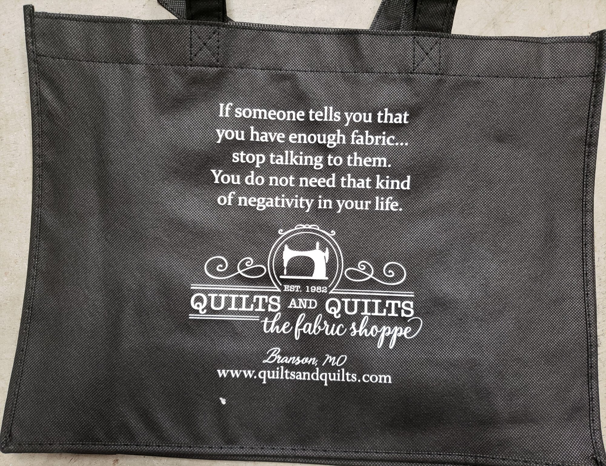 Quilts & Quilts Tote Bag - Negativity in your life