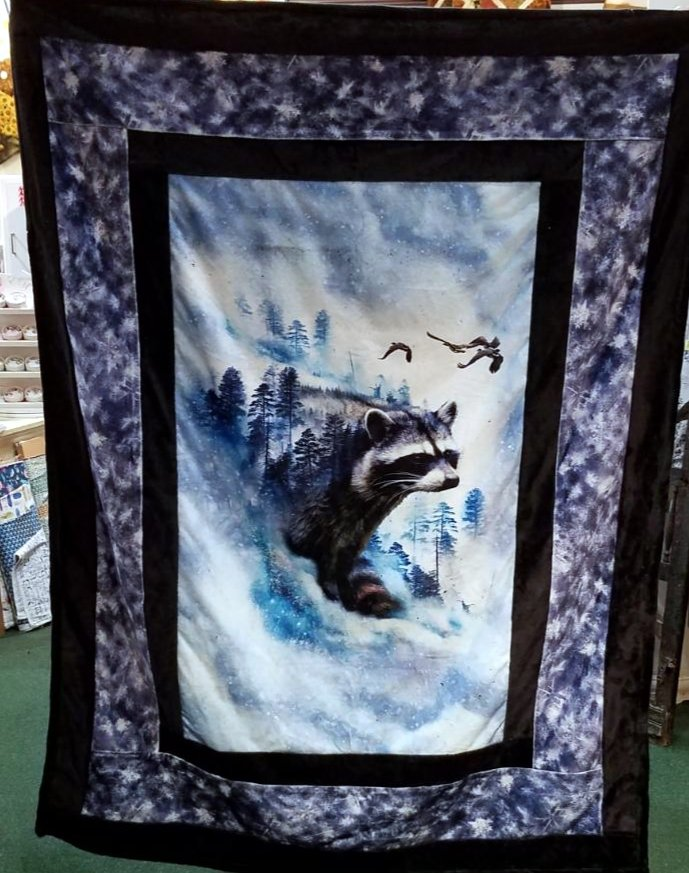 Borderline Cuddle Quilt Kit - Call of the Wild Raccoon