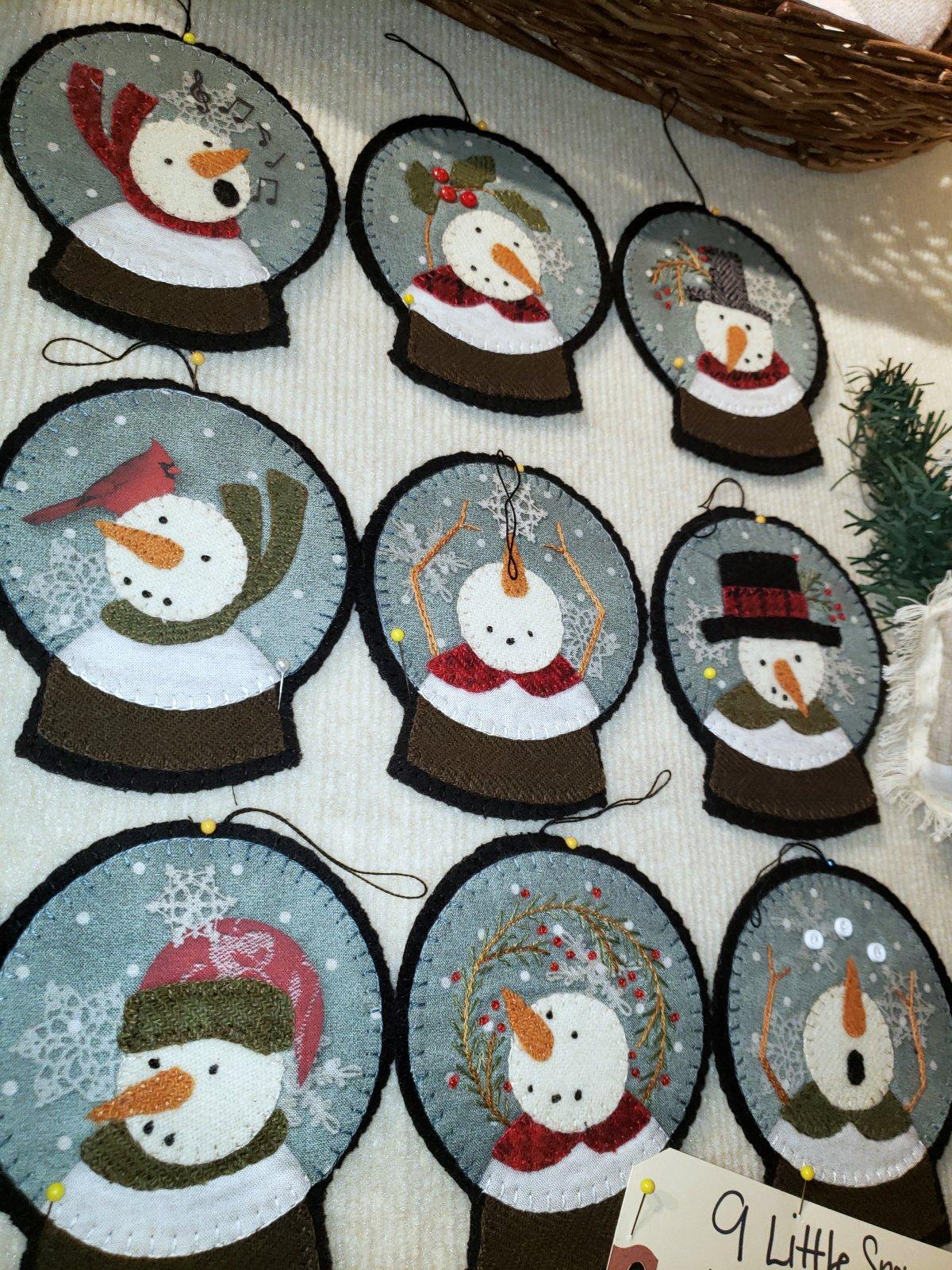 9 Little Snowman Wool Ornament Kit