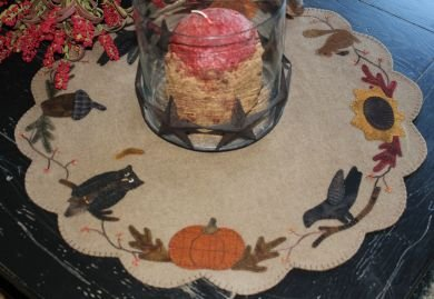 Autumn Table Wool Mat Kit with Pattern: 22x 22