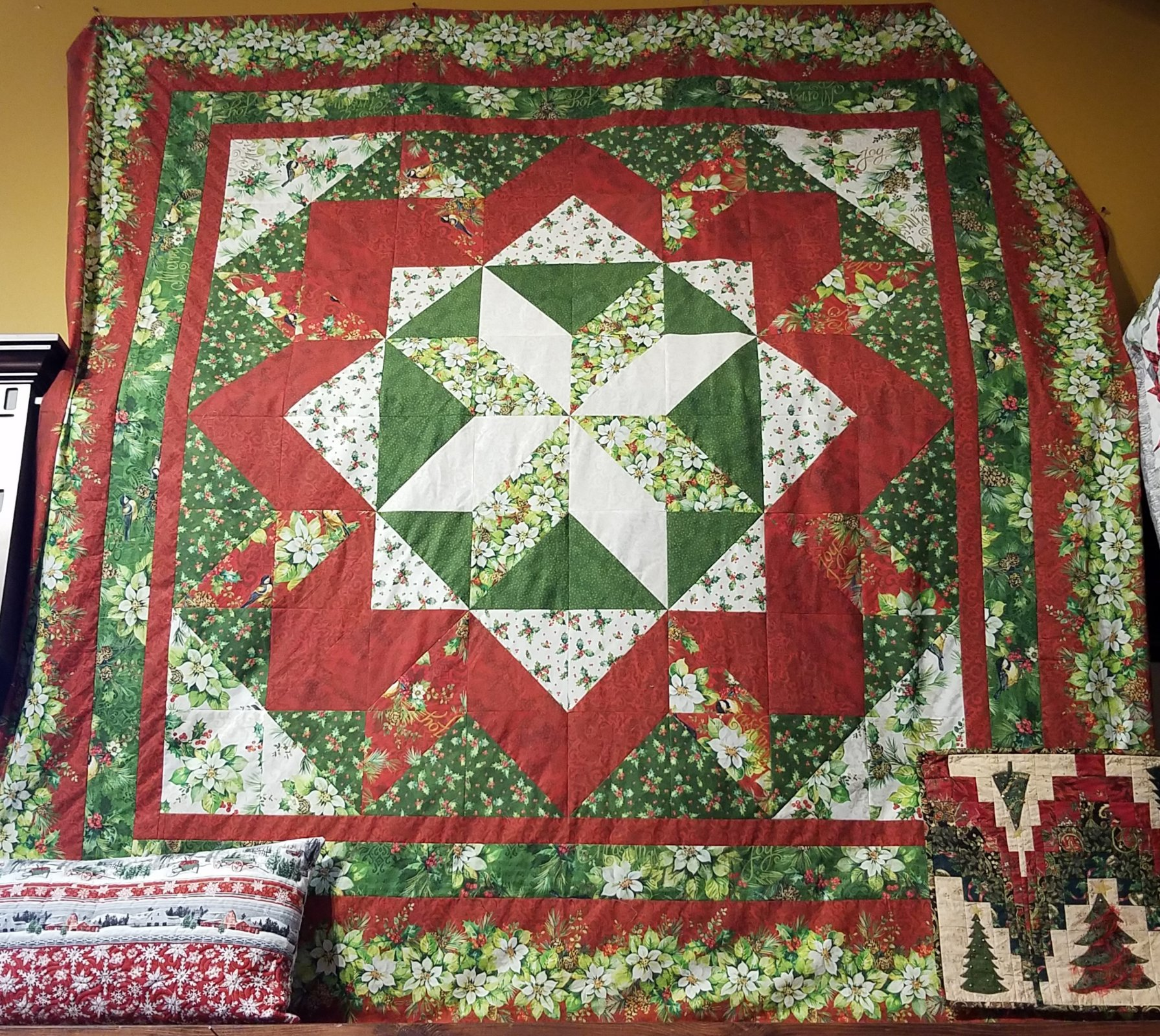 Holiday Star King Quilt Kit