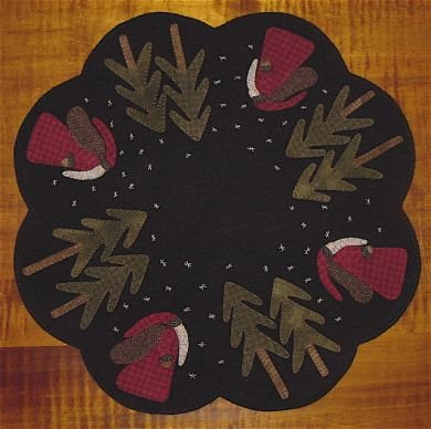 Old Saint Nick Table Mat Wool Kit