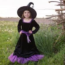 Vera the Velvet Witch w/Hat 5/6