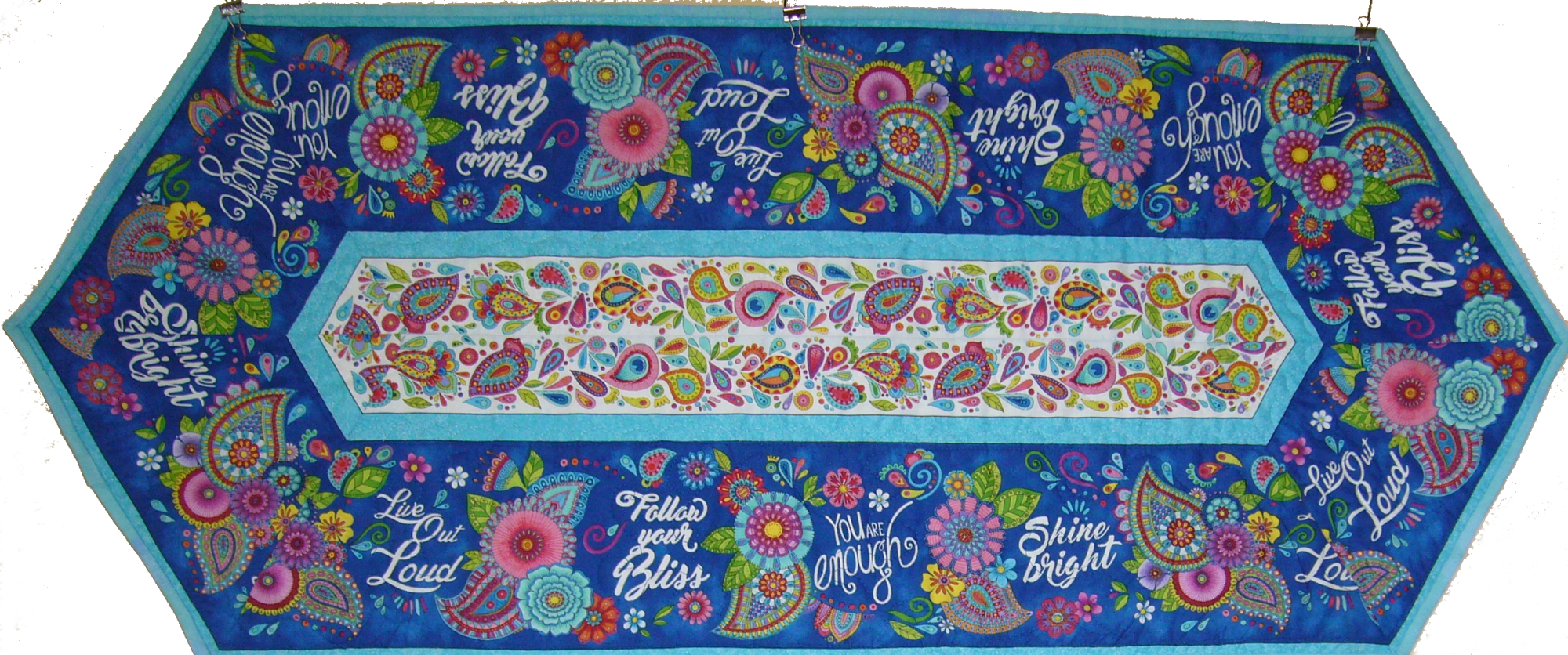 Live out Loud Table Runner