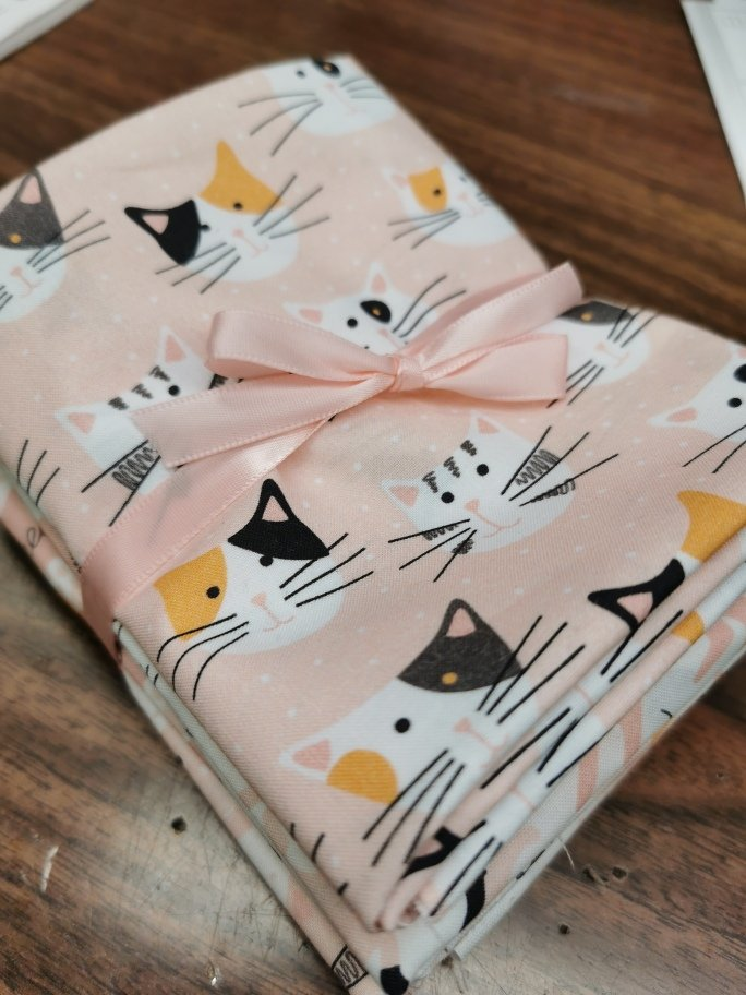 Tails and Whiskers Fat Quarter Bundle (7pieces)
