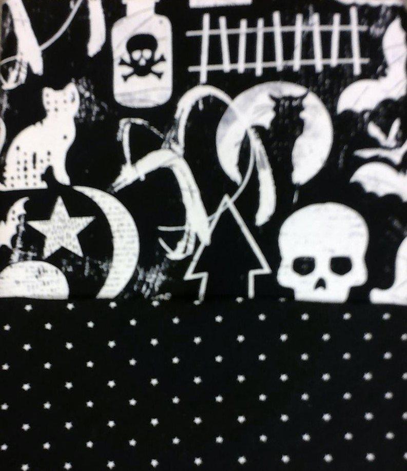 Halloween Motifs Glow in the Dark Pillow Case Kit