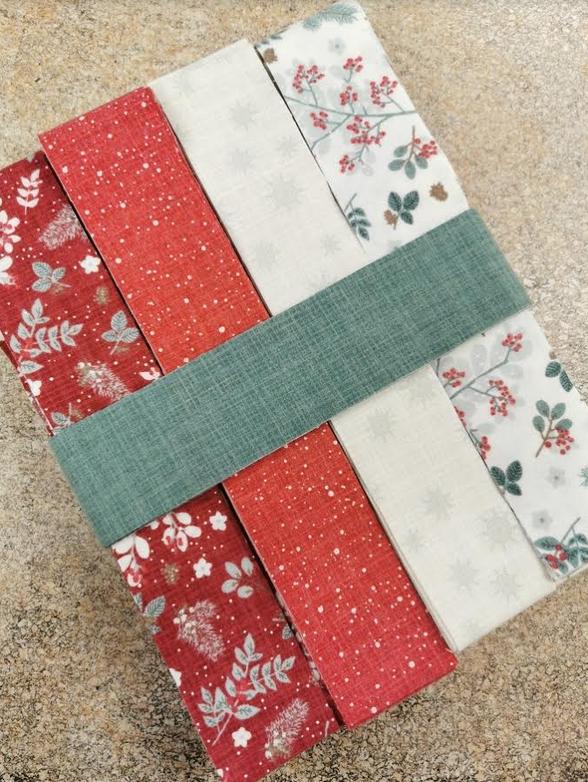 Juniper Red/Cream Log Cabin Kit