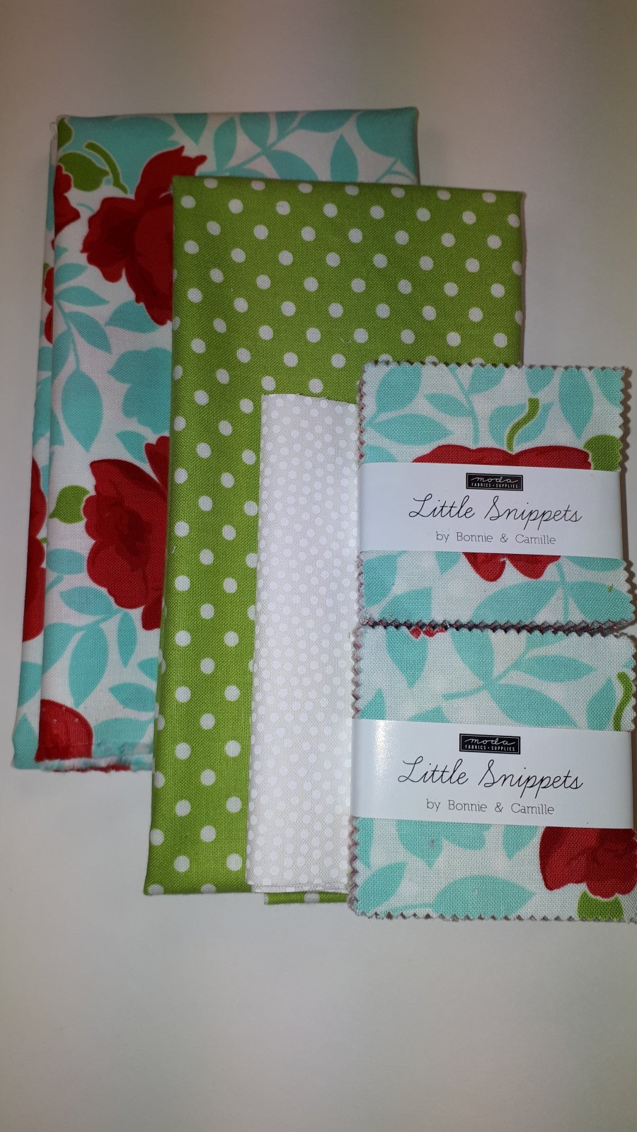 Little Snippets Mini Charm Tablerunner
