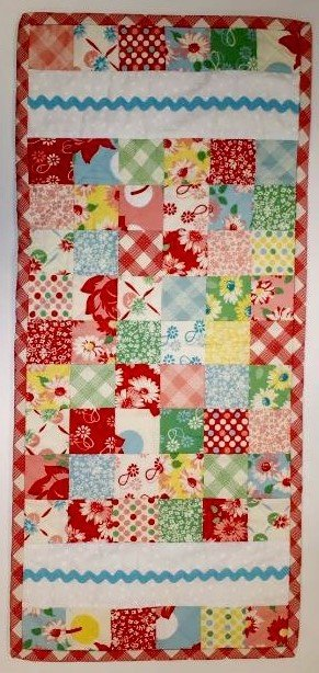 Mini Charm Tablerunner Pattern