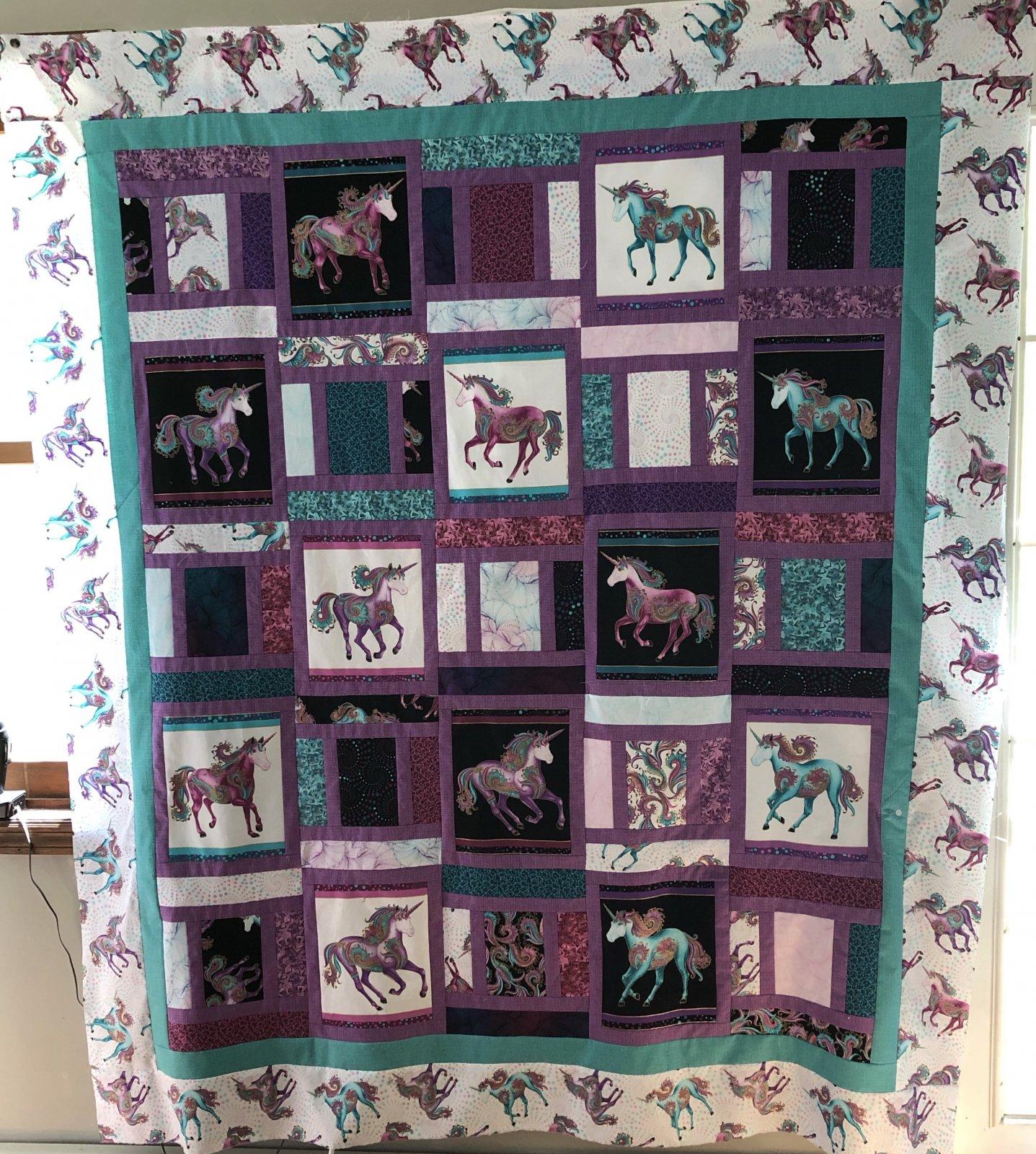 Quilt Basket Ollie Believe in Unicorns Twin Quilt Kit