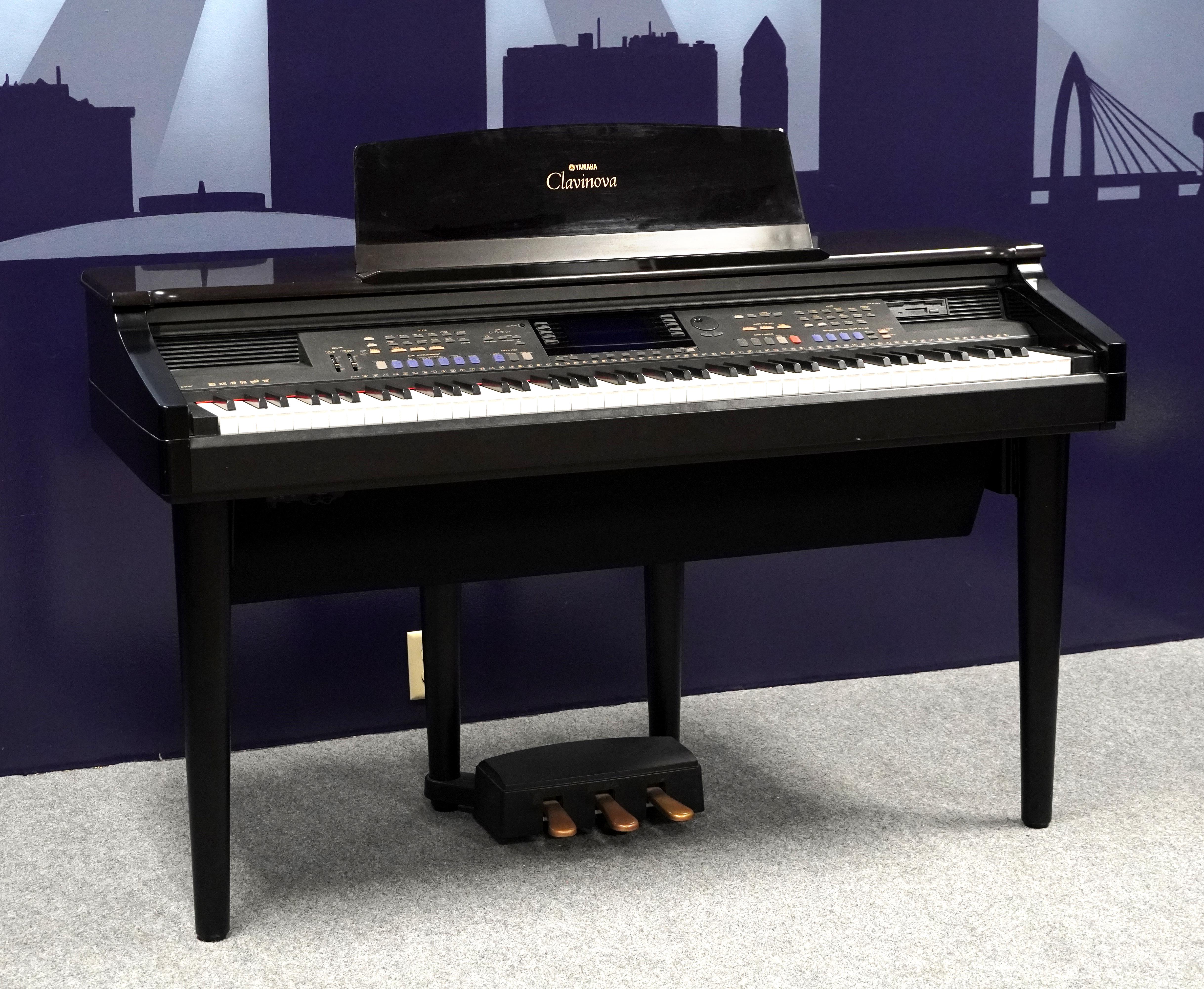 Yamaha Clavinova CVP-107 88-Key Digital Piano