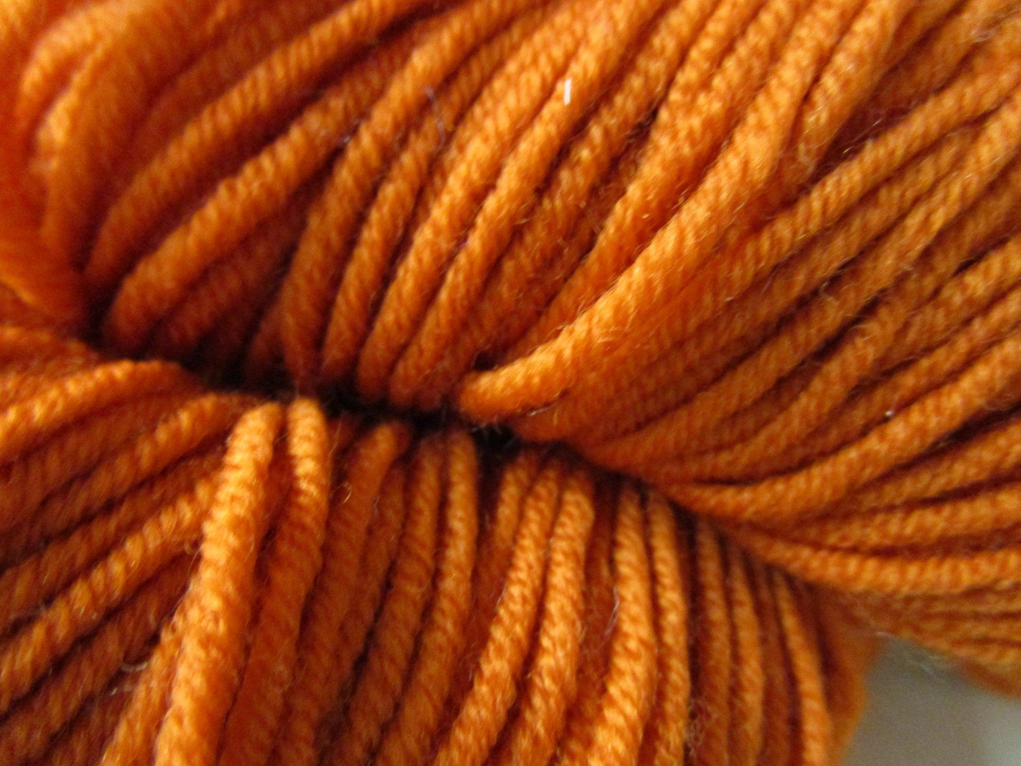 worsted merino pumpkin 40