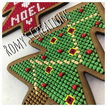 -1- 121 Christmas Tree (Stitch in Wood) by Romy's Creations