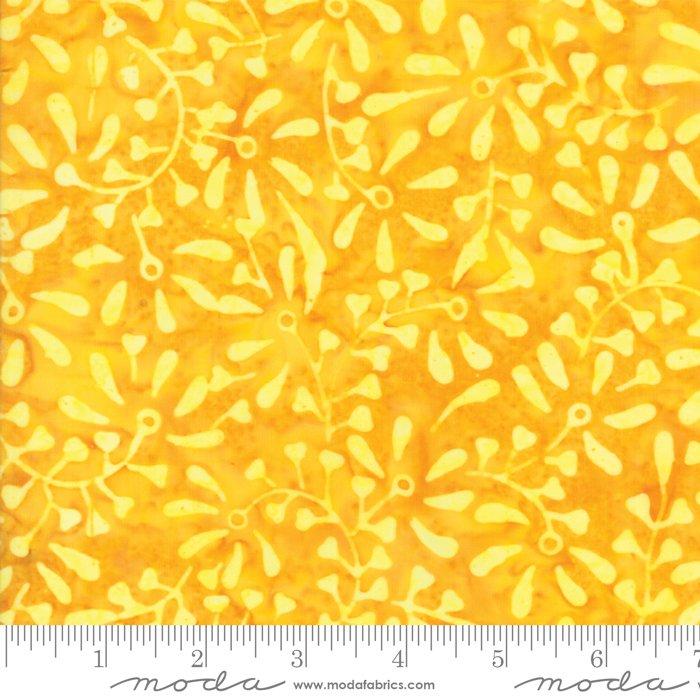 *1* 119 4351 21 Pineapple Parfait Batiks