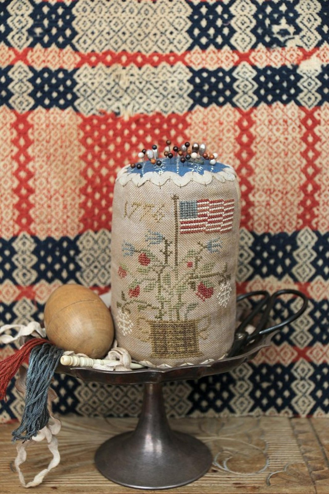 Grand Old Flag Pin Drum by Heartstring Samplery