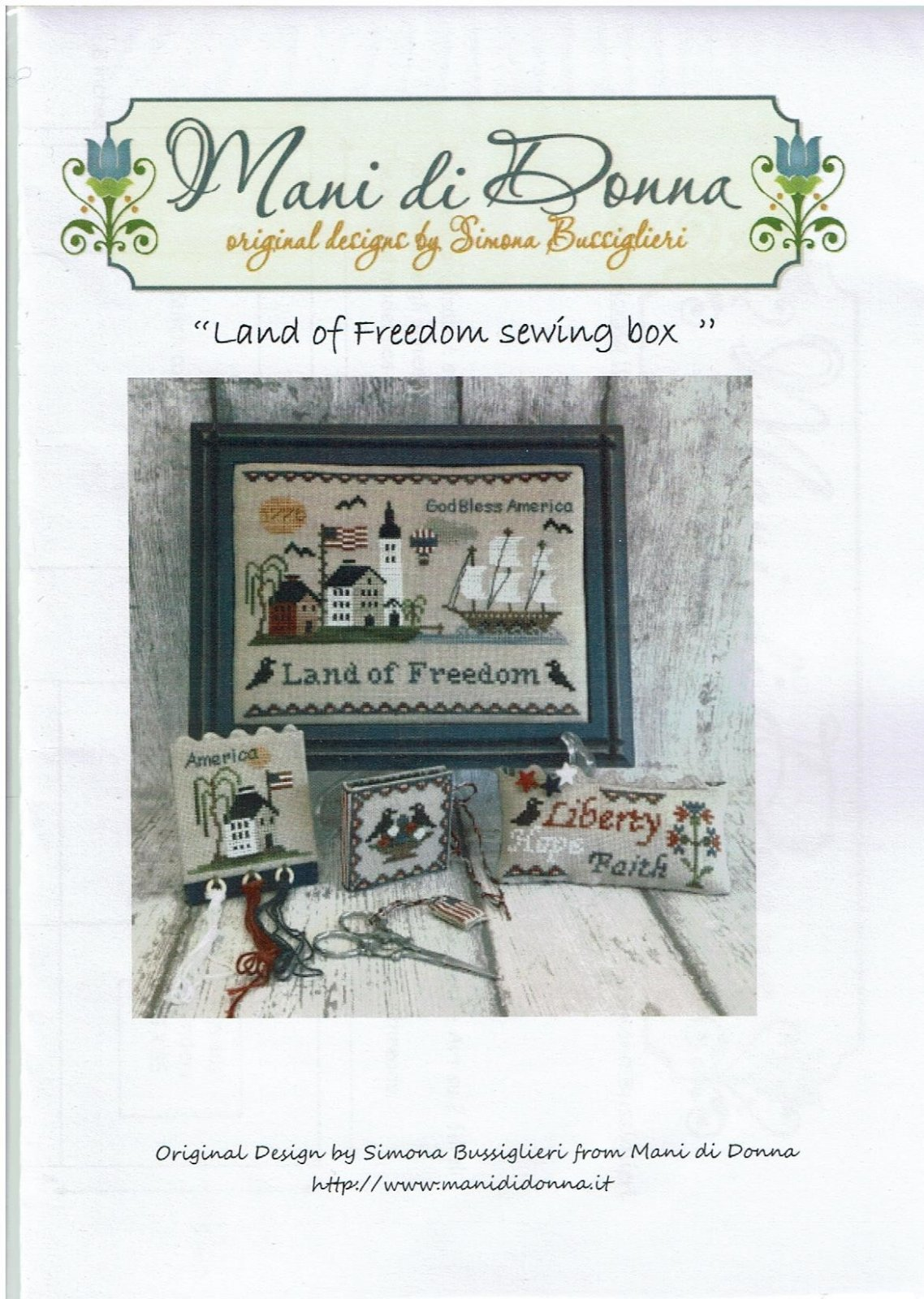 -8- 317 Land of the Freedom Sewing Box by Mani di Donna