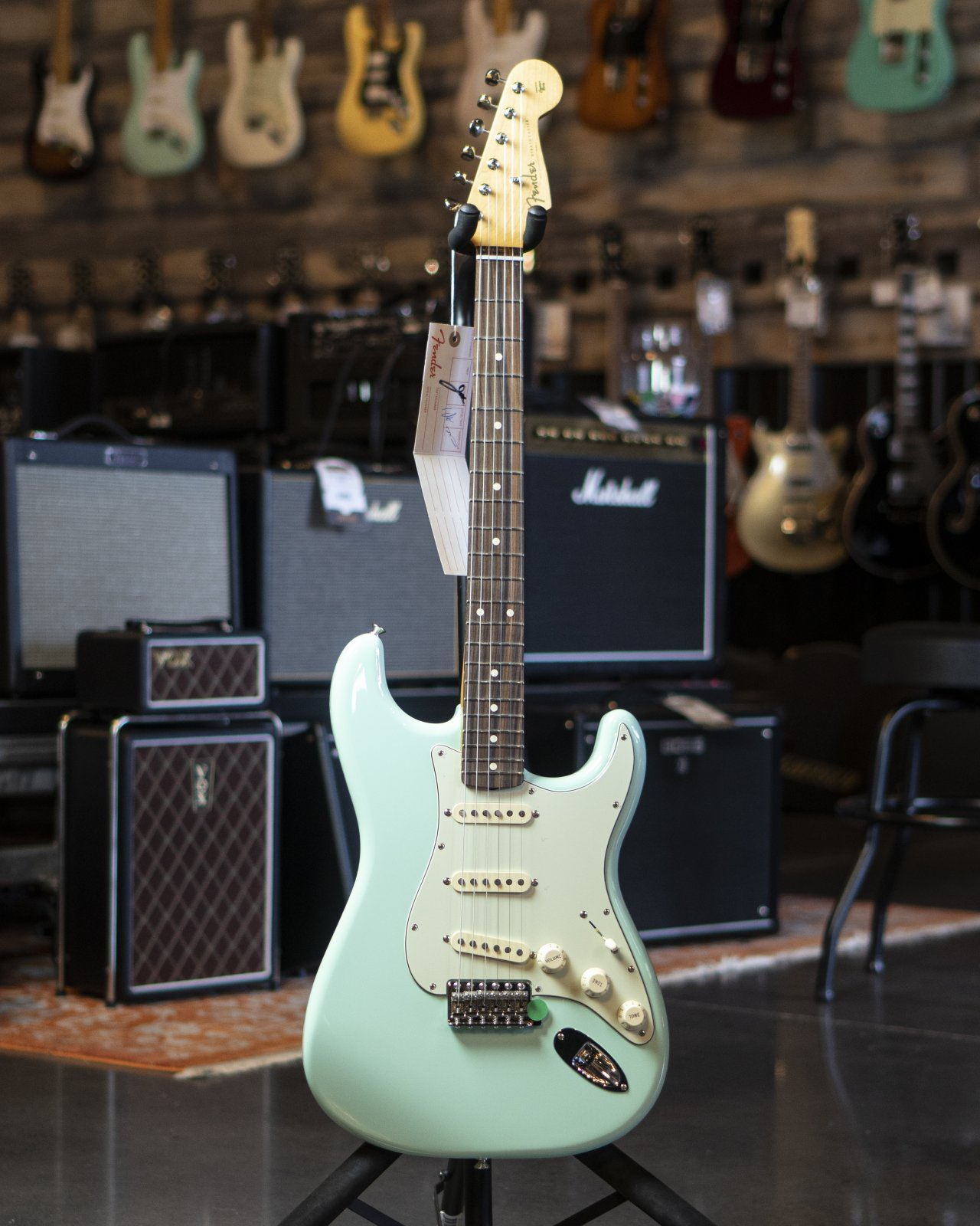 Fender Vintera '60s Stratocaster, Pau Ferro Fingerboard, Surf Green