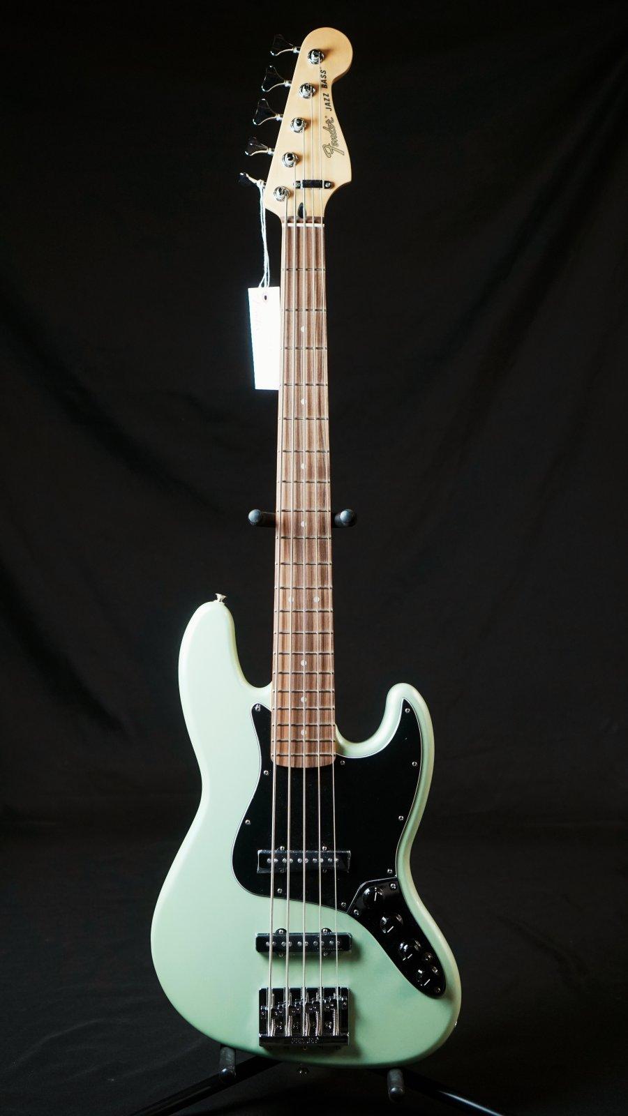 Fender Deluxe Active Jazz Bass? V, Pau Ferro Fingerboard, Surf Pearl