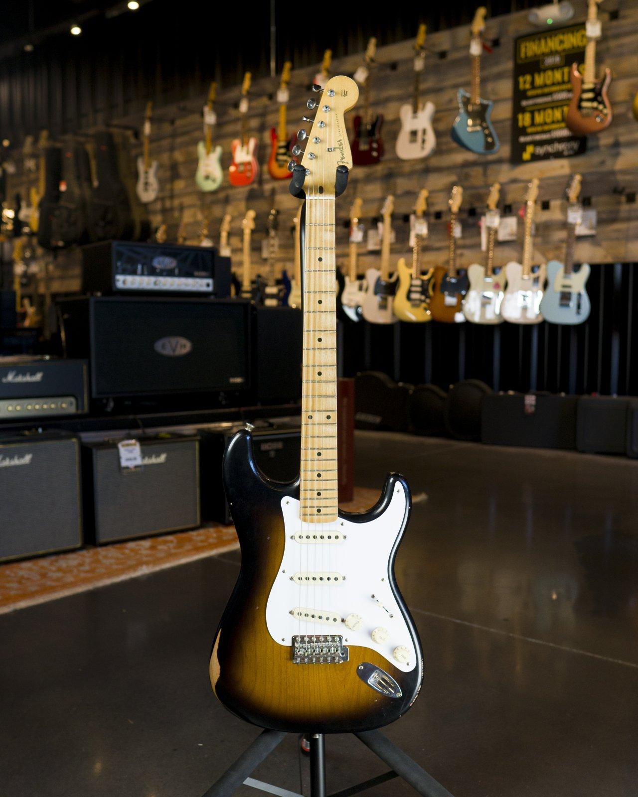 Fender Road Worn '50s Stratocaster, Maple Fingerboard, 2-Color Sunburst