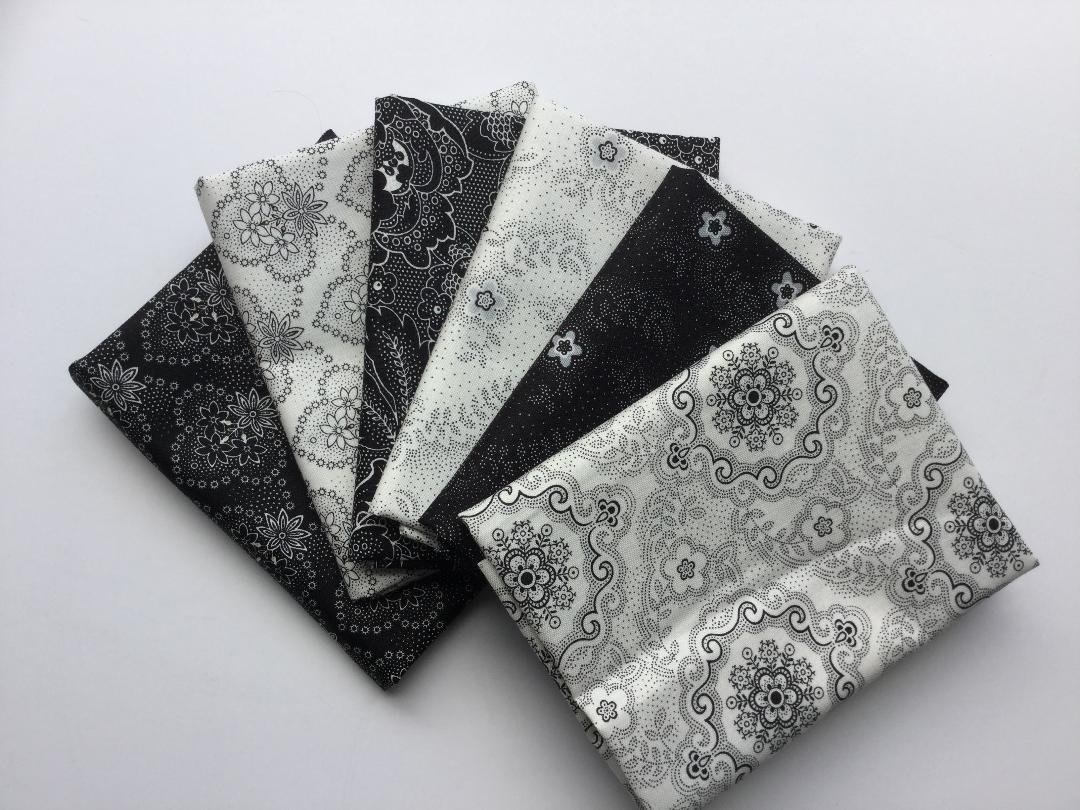 Fat Quarter Bundle 913 - Colebrook
