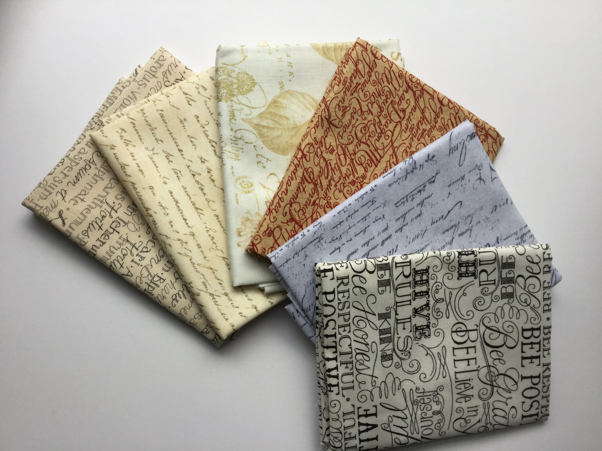 Fat Quarter Bundle 1115b - writing