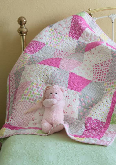 Pre-Cut Baby Quilt Kit - Pink Argyle (Click here for more detail)