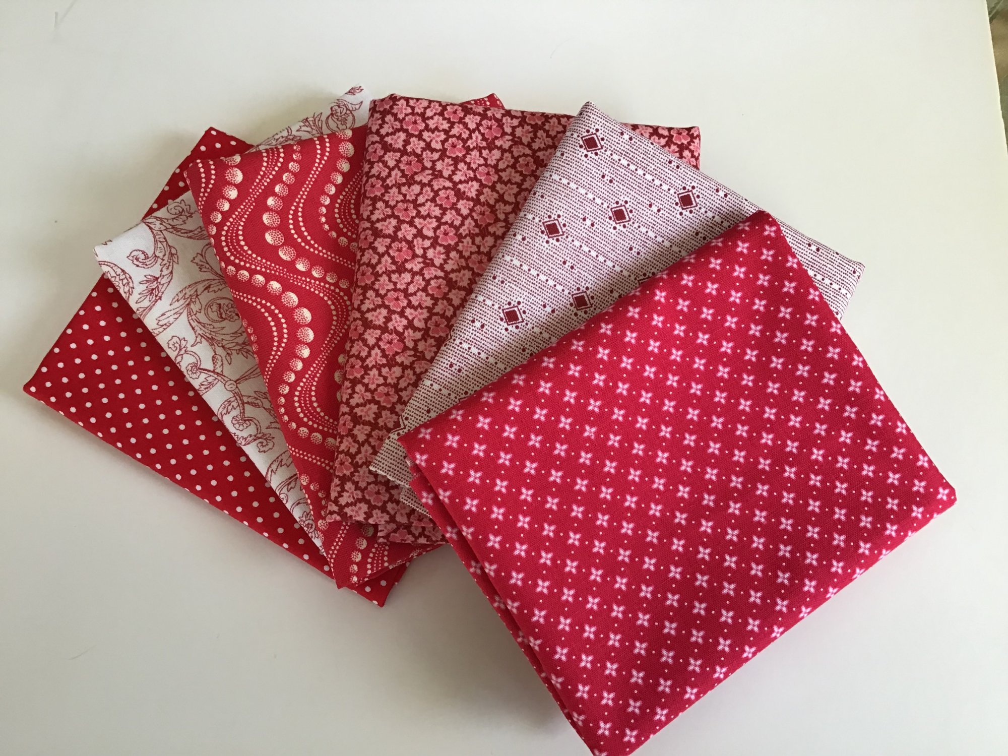Fat Quarter Bundle - Red & White