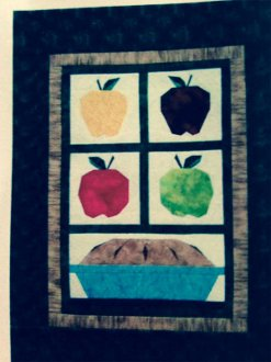 Mom's Apple Pie Wallhanging Pattern by A Very Special Collection