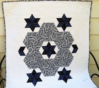 Hexagon Wreath and Stars Wallhanging Pattern by Cut Loose Press