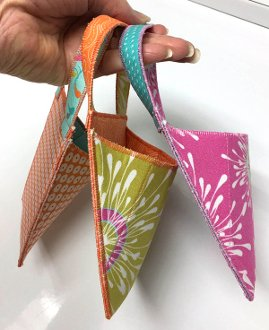 Hang On Small Bag/Organizer Pattern by Lazy Girl Designss
