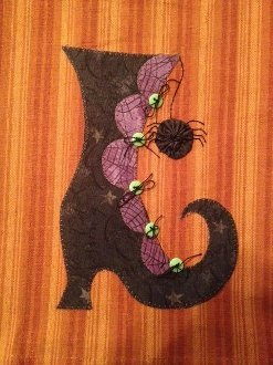 Witchy Poo's Shoe Applique Pattern by Quilt Doodle Designs