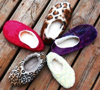 Cozy Toes Non Skid Slippers Pattern by Sisters Common Thread