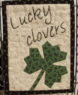 Tiny Dresden March Lucky Clovers Mini Quilt Pattern by Suzn Quilts