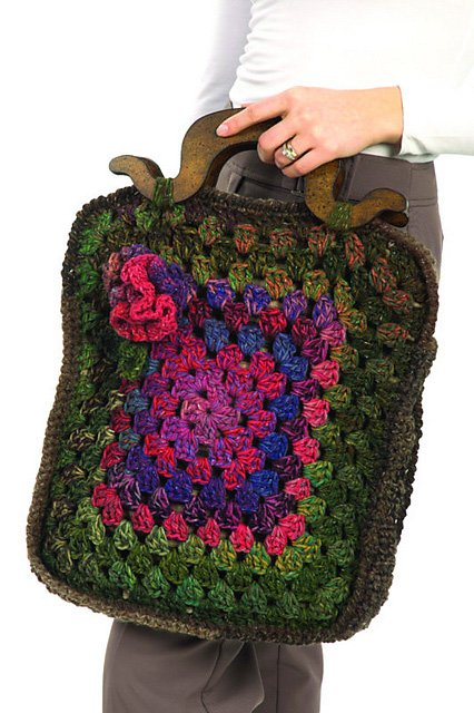Vintage Floral Tote Crochet Pattern by Plymouth Yarns