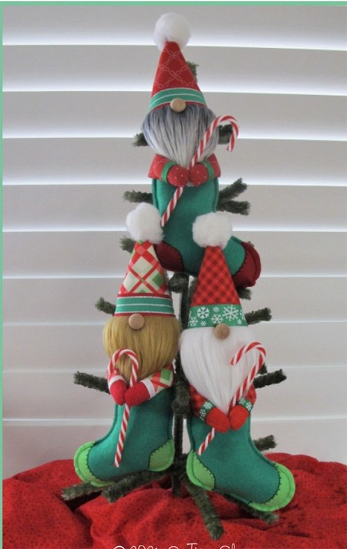Warm Christmas Gnomes Pattern by Susie C Shore Designs