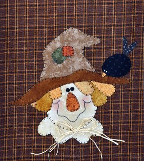 Happy Scarecrow Applique Patternlet by The Wooden Bear