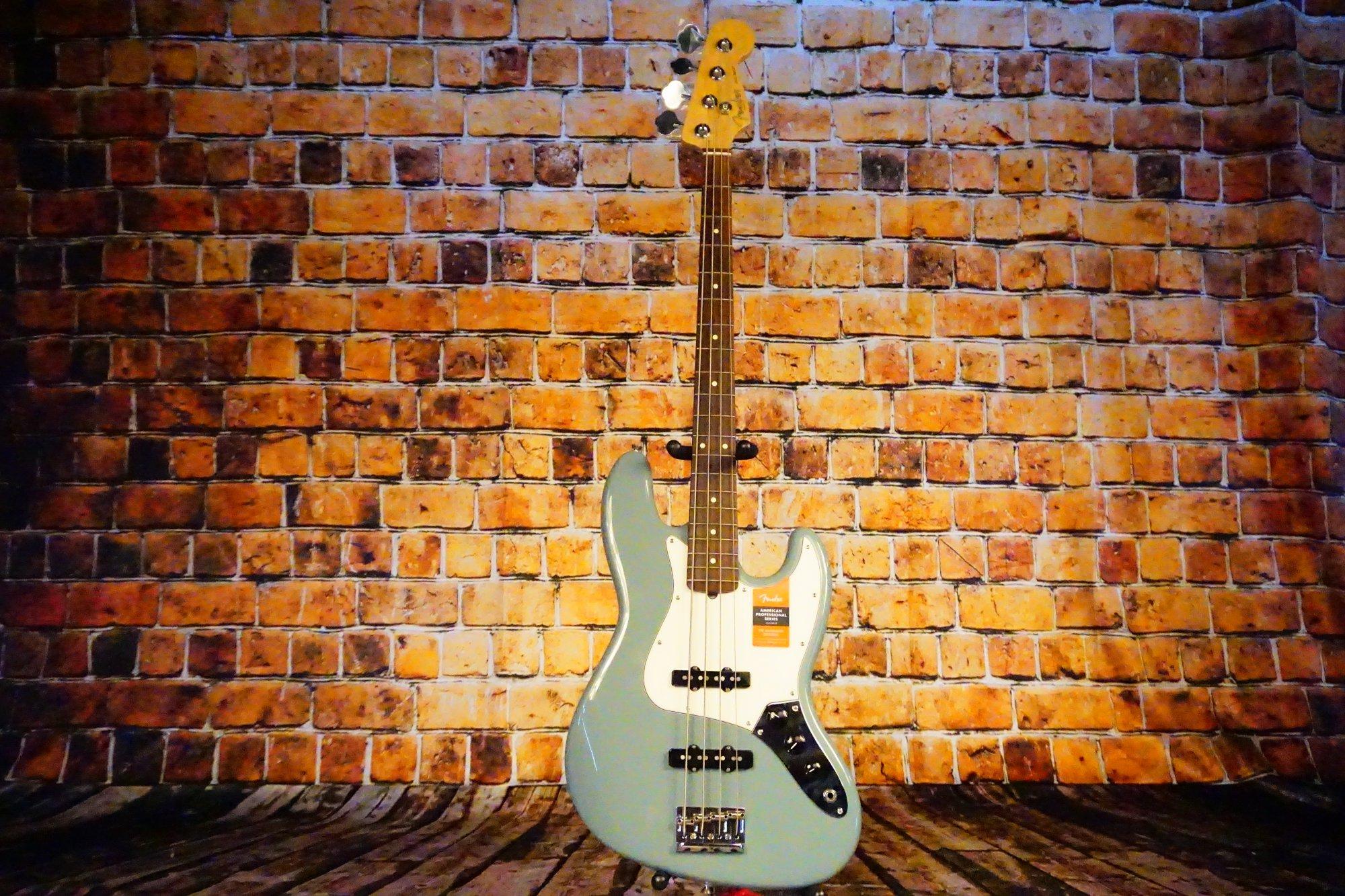 Fender American Pro Jazz Bass, Rosewood Fingerboard, Sonic Gray
