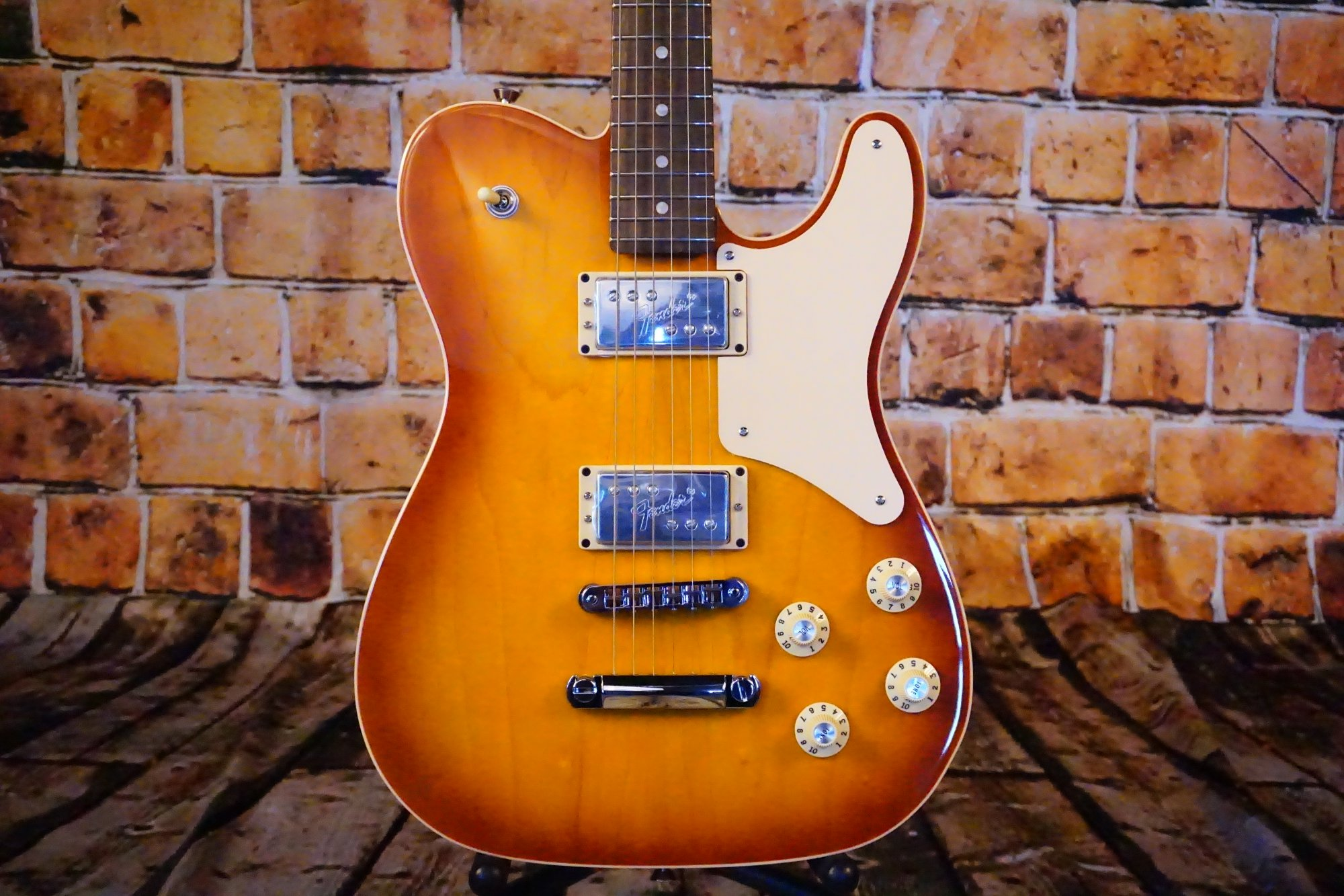 Fender Limited Edition Troublemaker Tele Deluxe, Rosewood Fingerboard, Ice Tea Burst